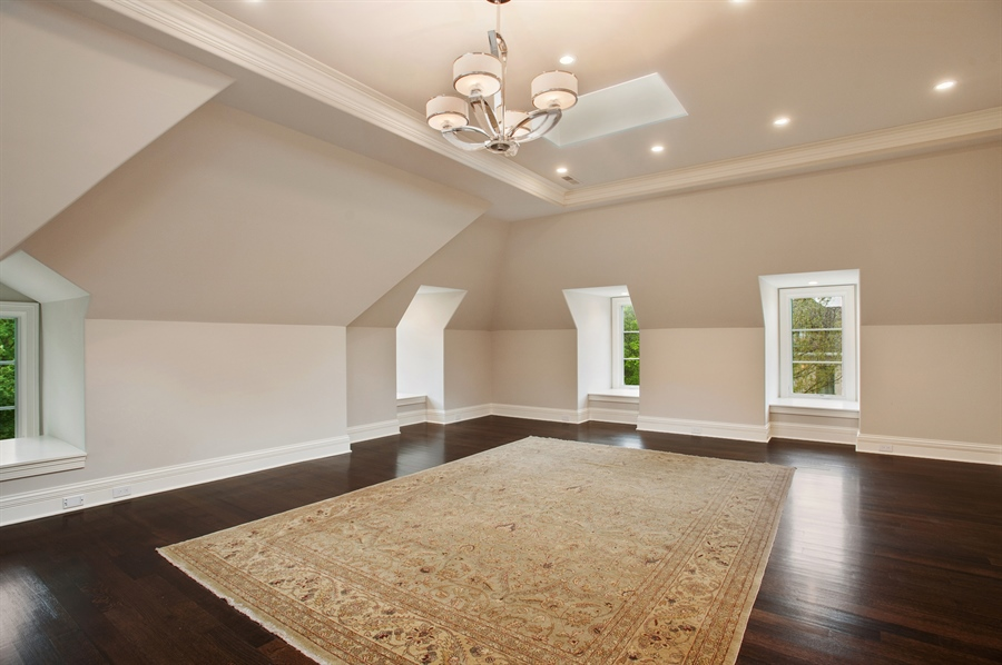 Real Estate Photography - 229 Essex Rd, Kenilworth, IL, 60043 - 3rd Floor