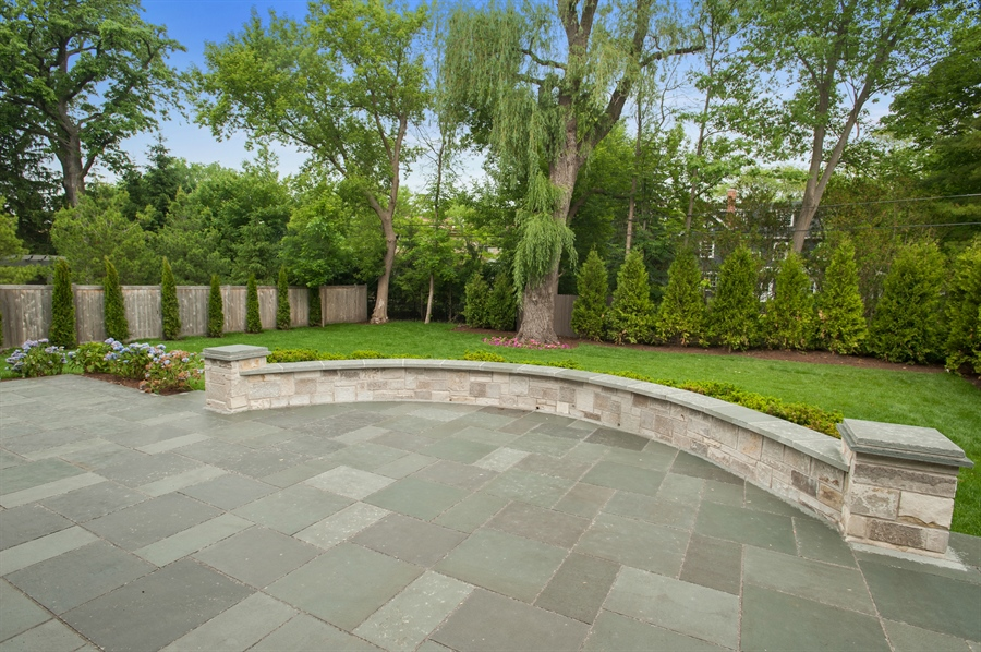 Real Estate Photography - 229 Essex Rd, Kenilworth, IL, 60043 - Patio