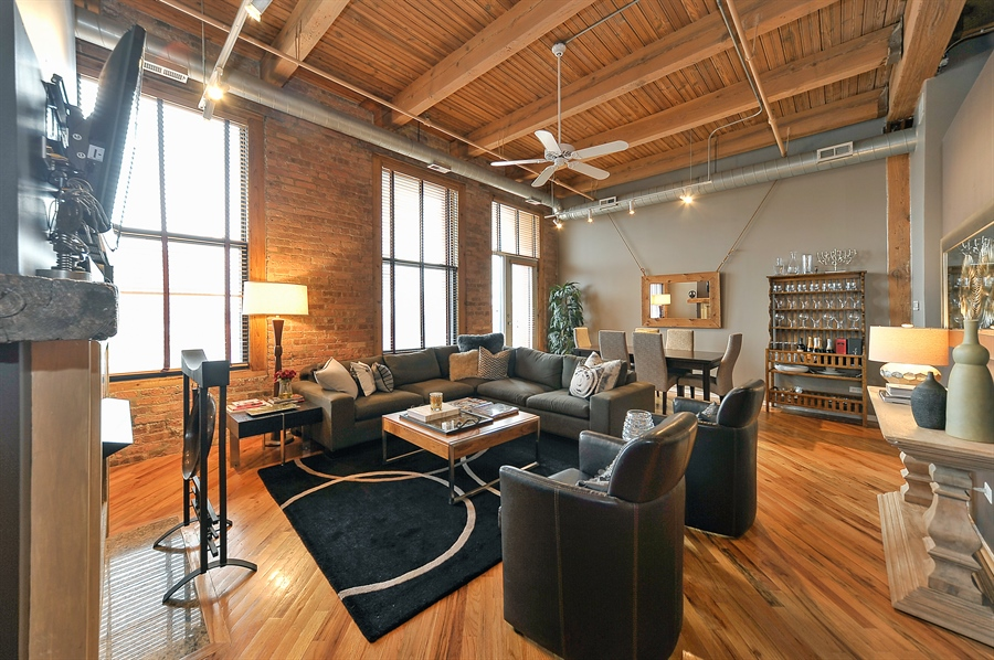Real Estate Photography - 616 W Fulton, Unit 510, Chicago, IL, 60661 - Living Room
