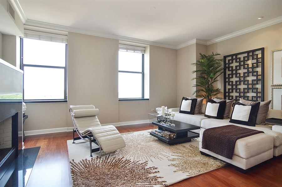 Real Estate Photography - 310 S Michigan, Unit 605, Chicago, IL, 60604 - Living Room