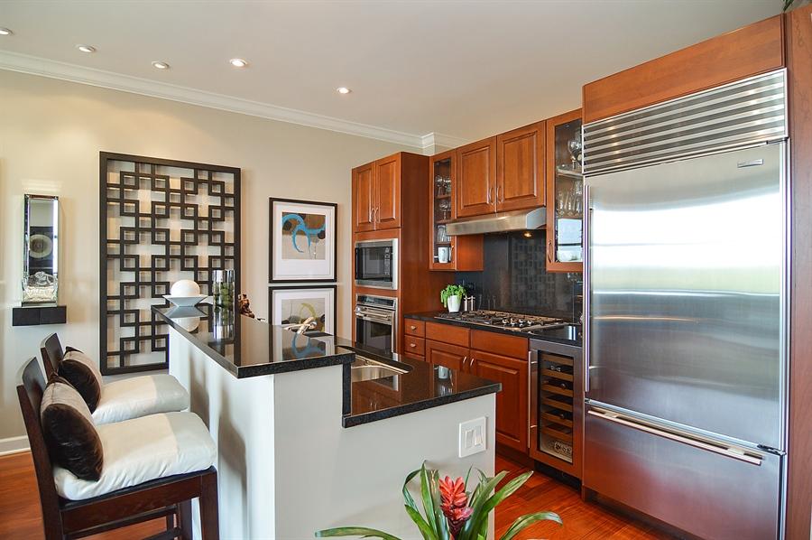 Real Estate Photography - 310 S Michigan, Unit 605, Chicago, IL, 60604 - Kitchen
