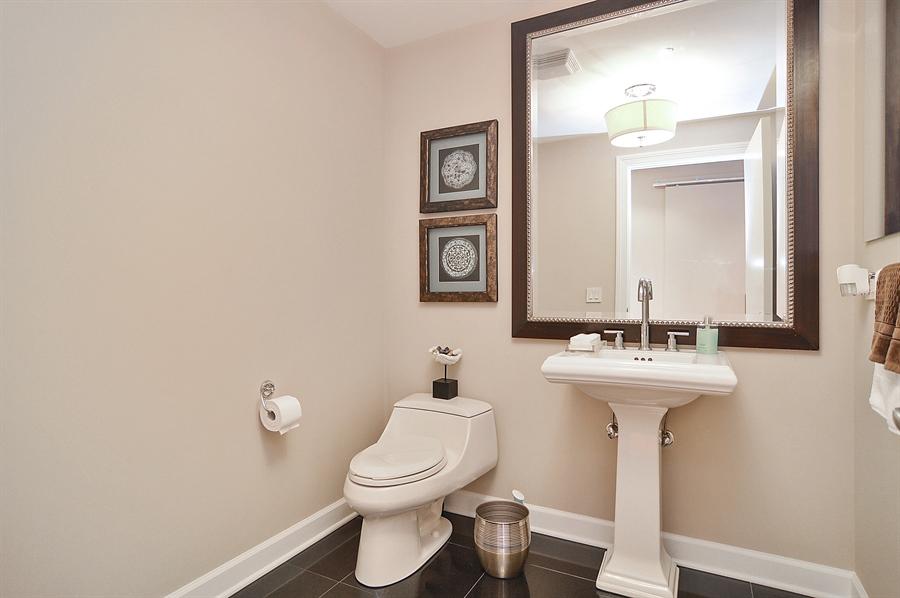 Real Estate Photography - 310 S Michigan, Unit 605, Chicago, IL, 60604 - Half Bath