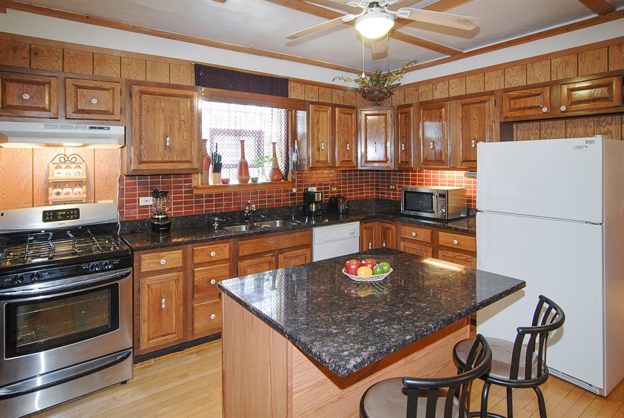 Real Estate Photography - 1609 S 61st Ave, Cicero, IL, 60804 - Kitchen