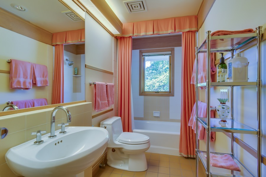 Real Estate Photography - 364 74th St, South Haven, MI, 49090 -