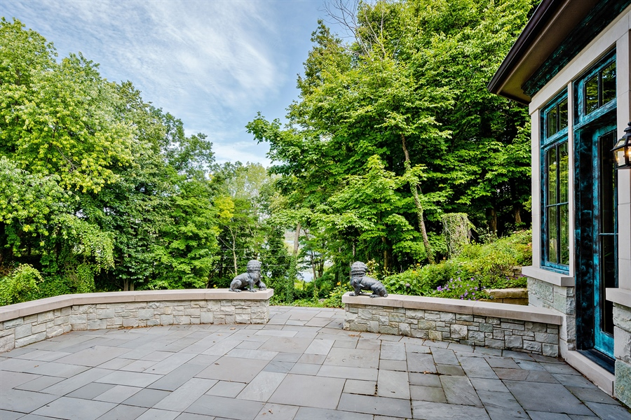 Real Estate Photography - 5750 Dunham Path, Stevensville, MI, 49127 - Entry Courtyard