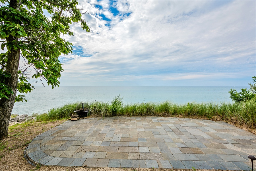 Real Estate Photography - 5750 Dunham Path, Stevensville, MI, 49127 - Patio