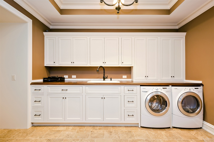 Real Estate Photography - 5750 Dunham Path, Stevensville, MI, 49127 - Lower Level Laundry