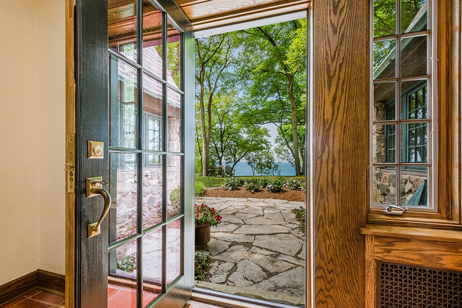 Real Estate Photography - 13274 Ravine Road, Harbert, MI, 49115 - Entryway