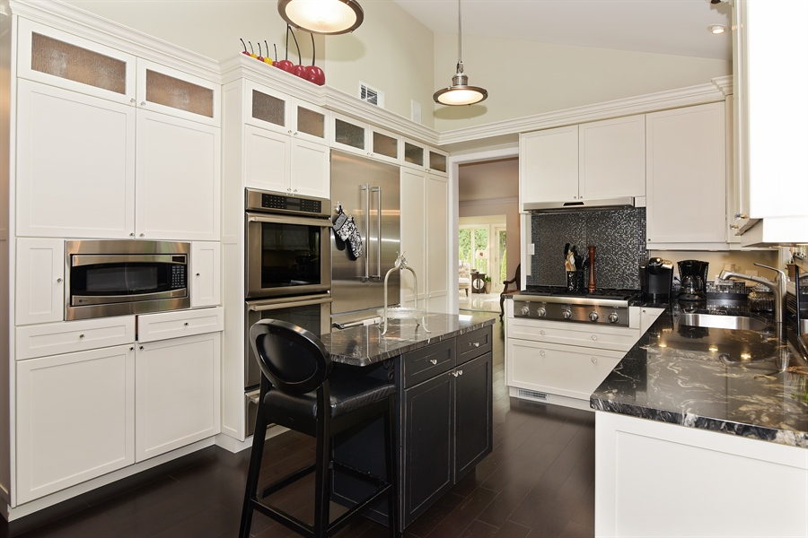 Real Estate Photography - 4508 W. Bryn Mawr, Chicago, IL, 60646 - Kitchen