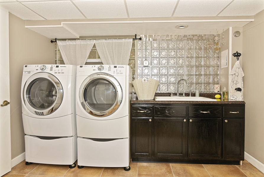 Real Estate Photography - 4508 W. Bryn Mawr, Chicago, IL, 60646 - Laundry Room