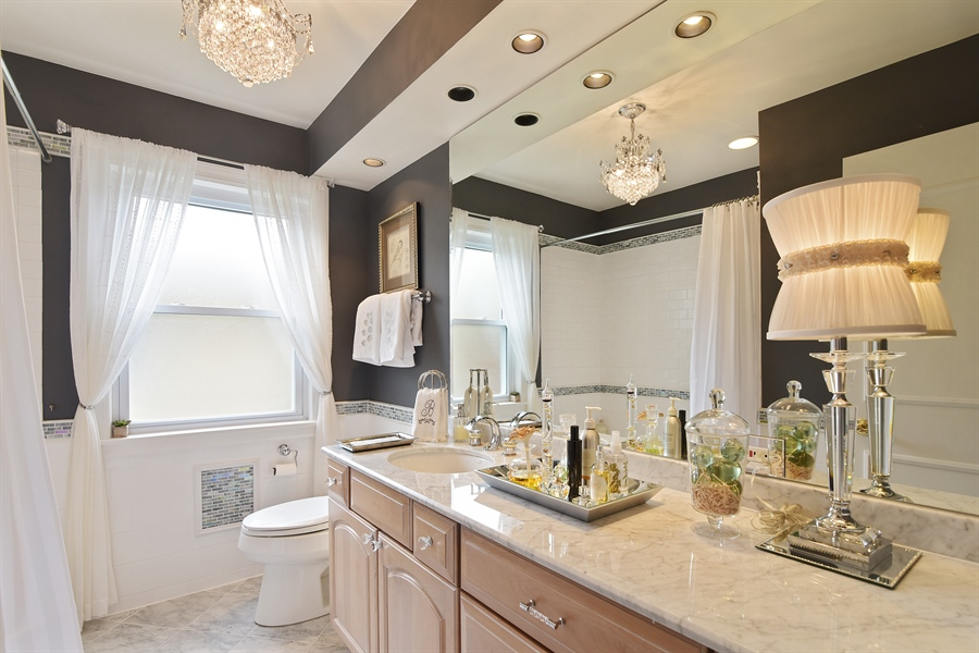Real Estate Photography - 4508 W. Bryn Mawr, Chicago, IL, 60646 - Bathroom