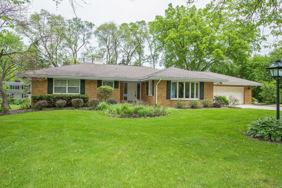 Real Estate Photography - 434 Otis Rd, Barrington, IL, 60010 - Front View