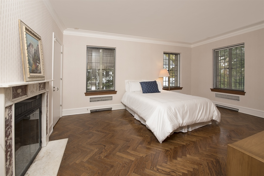 Real Estate Photography - 1020 Chestnut Ave, Wilmette, IL, 60091 - Master Suite