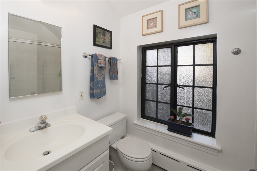 Real Estate Photography - 1020 Chestnut Ave, Wilmette, IL, 60091 - Coach House Bathroom