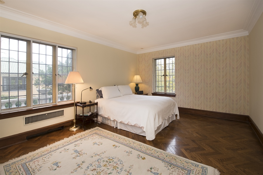Real Estate Photography - 1020 Chestnut Ave, Wilmette, IL, 60091 - Third Bedroom