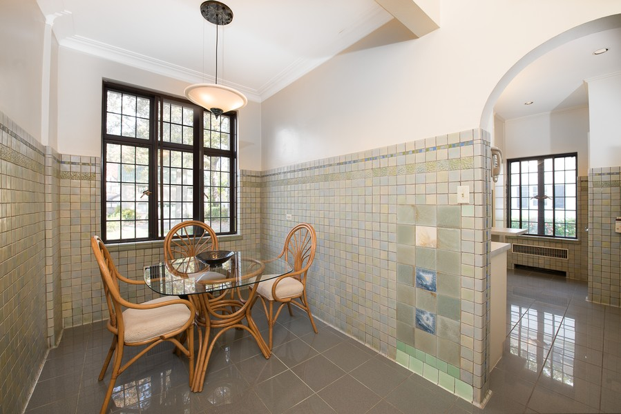 Real Estate Photography - 1020 Chestnut Ave, Wilmette, IL, 60091 - Breakfast Room