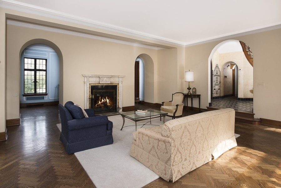 Real Estate Photography - 1020 Chestnut Ave, Wilmette, IL, 60091 -