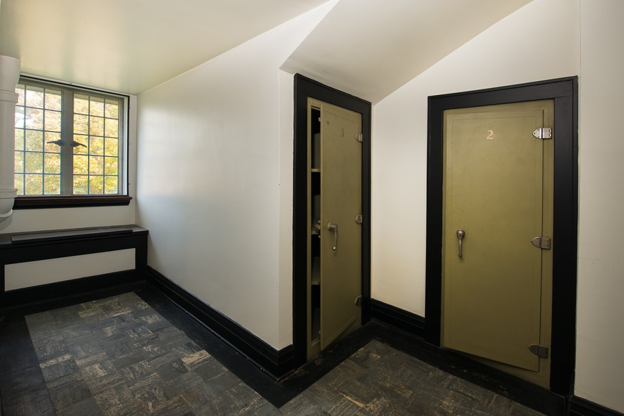 Real Estate Photography - 1020 Chestnut Ave, Wilmette, IL, 60091 - Third Floor Storage Lockers