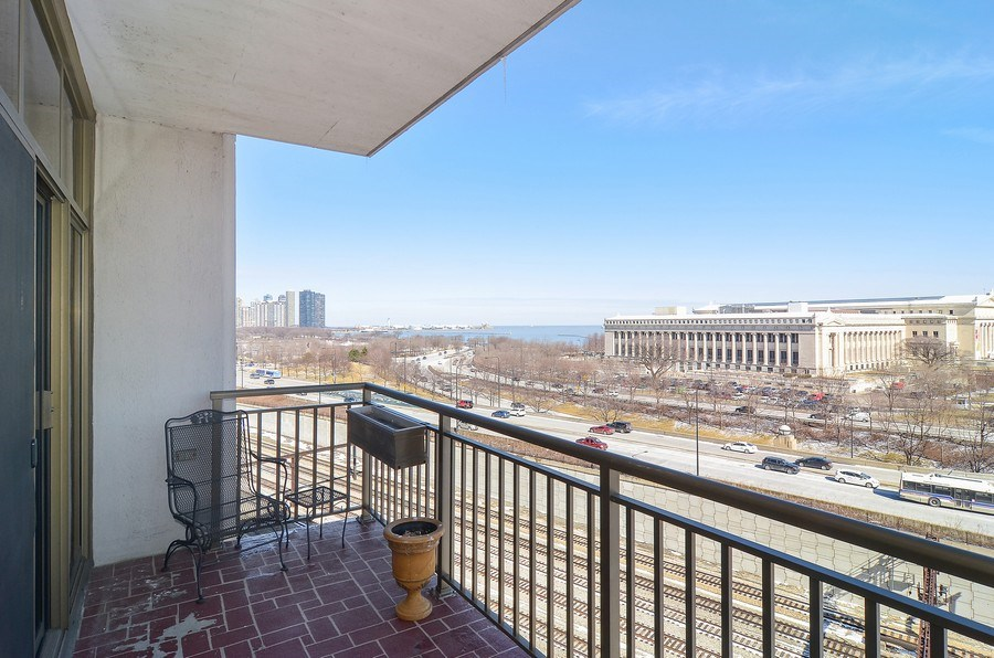 Real Estate Photography - 1335 South Prairie, 901, Chicago, IL, 60605 - Terrace 2