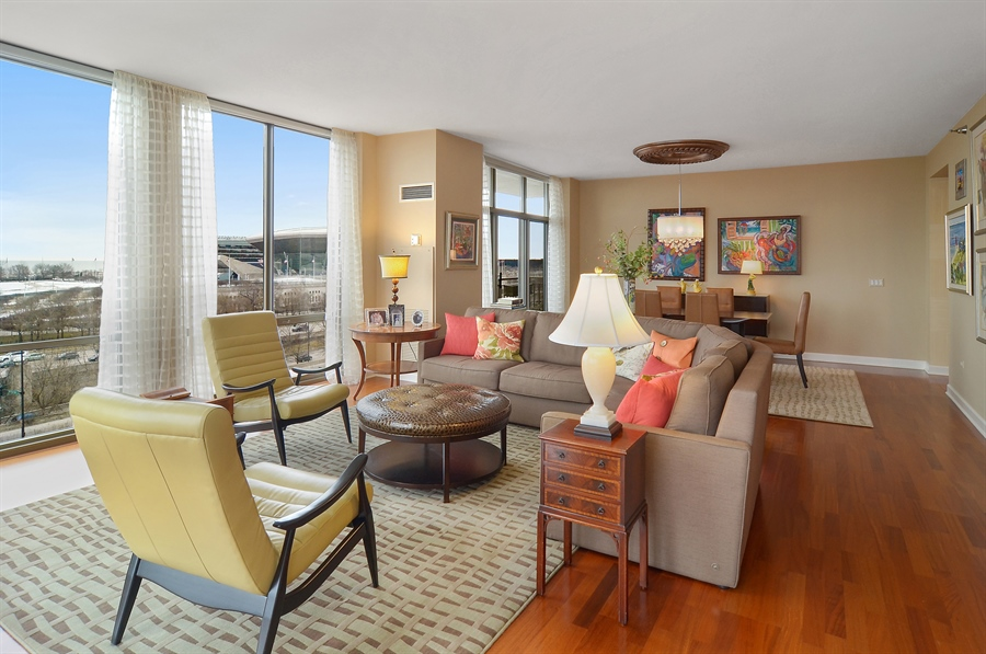 Real Estate Photography - 1335 South Prairie, 901, Chicago, IL, 60605 - Living Room