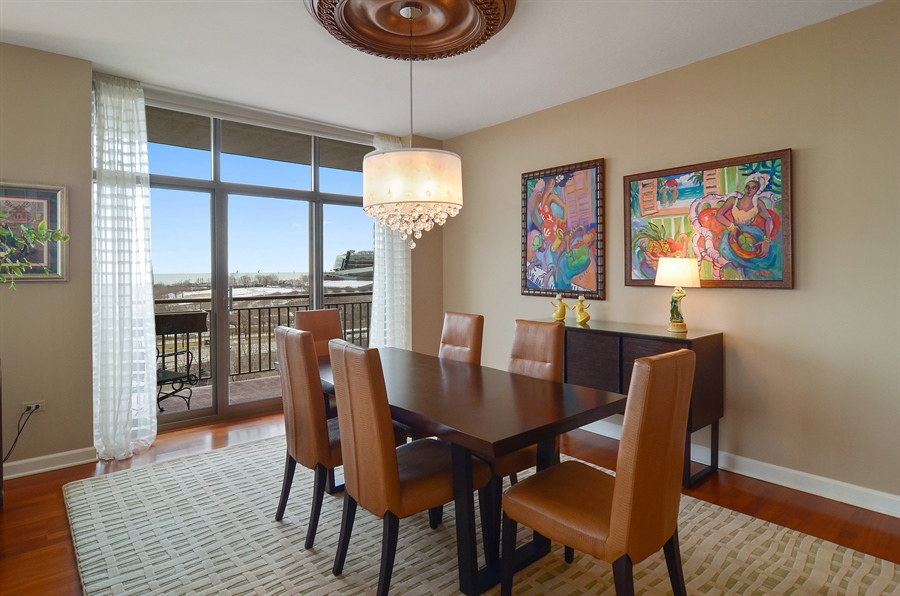 Real Estate Photography - 1335 South Prairie, 901, Chicago, IL, 60605 - Dining Room