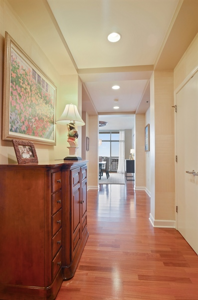 Real Estate Photography - 1335 South Prairie, 901, Chicago, IL, 60605 - Foyer