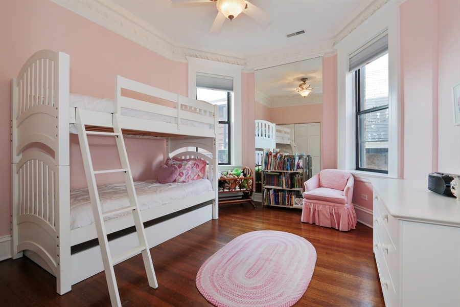 Real Estate Photography - 1036 N Hoyne Ave, Chicago, IL, 60622 - 2nd Bedroom