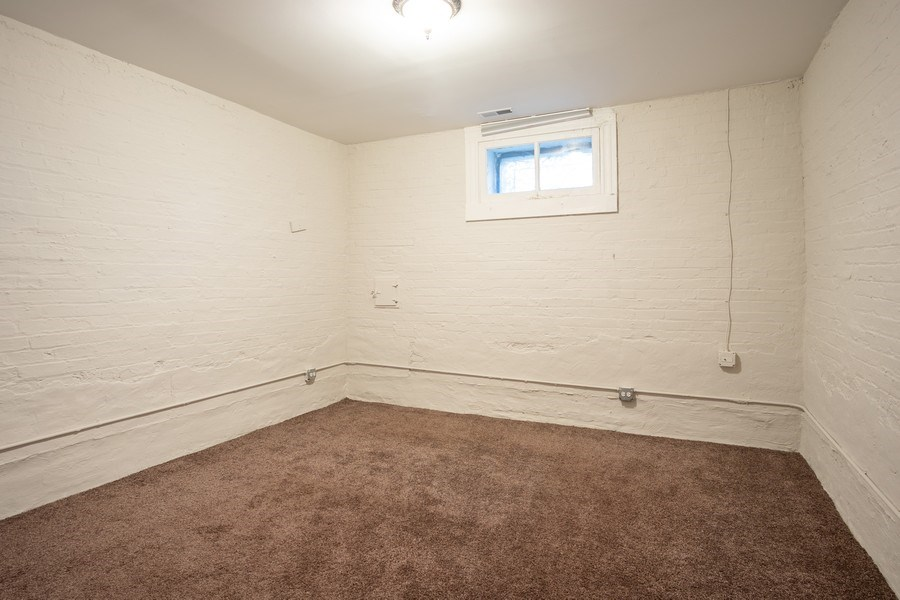 Real Estate Photography - 1036 N Hoyne Ave, Chicago, IL, 60622 - Lower Level Bedroom (#6)