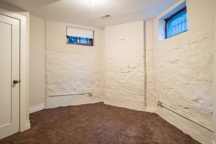 Real Estate Photography - 1036 N Hoyne Ave, Chicago, IL, 60622 - Bedroom