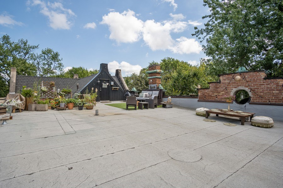 Real Estate Photography - 1036 N Hoyne Ave, Chicago, IL, 60622 - Roof Deck