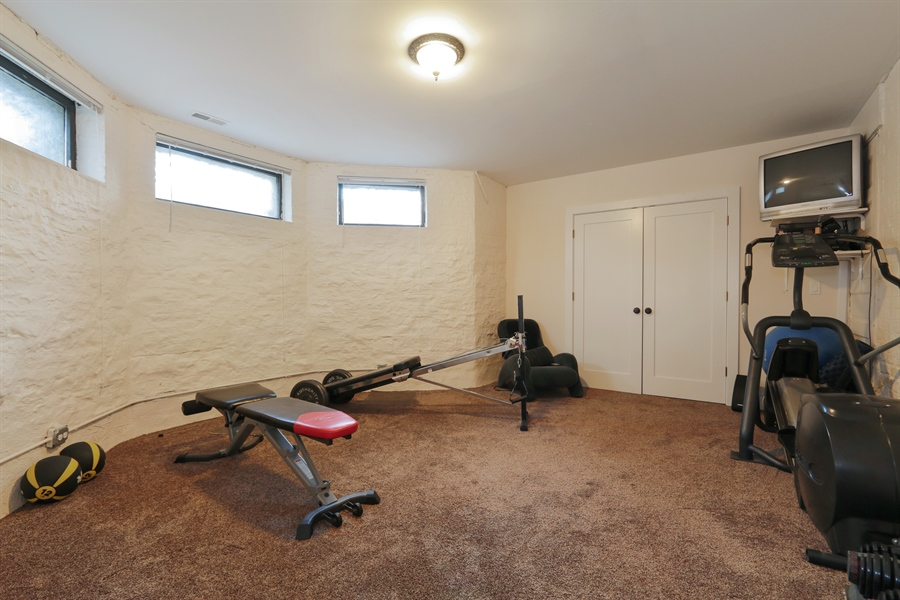 Real Estate Photography - 1036 N Hoyne Ave, Chicago, IL, 60622 - Exercise Room