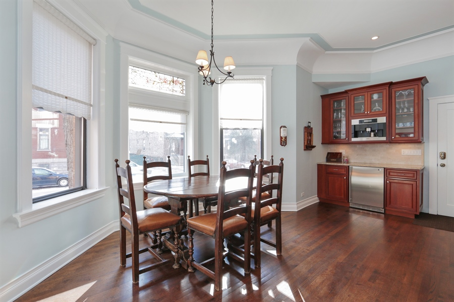 Real Estate Photography - 1036 N Hoyne Ave, Chicago, IL, 60622 - Breakfast Area