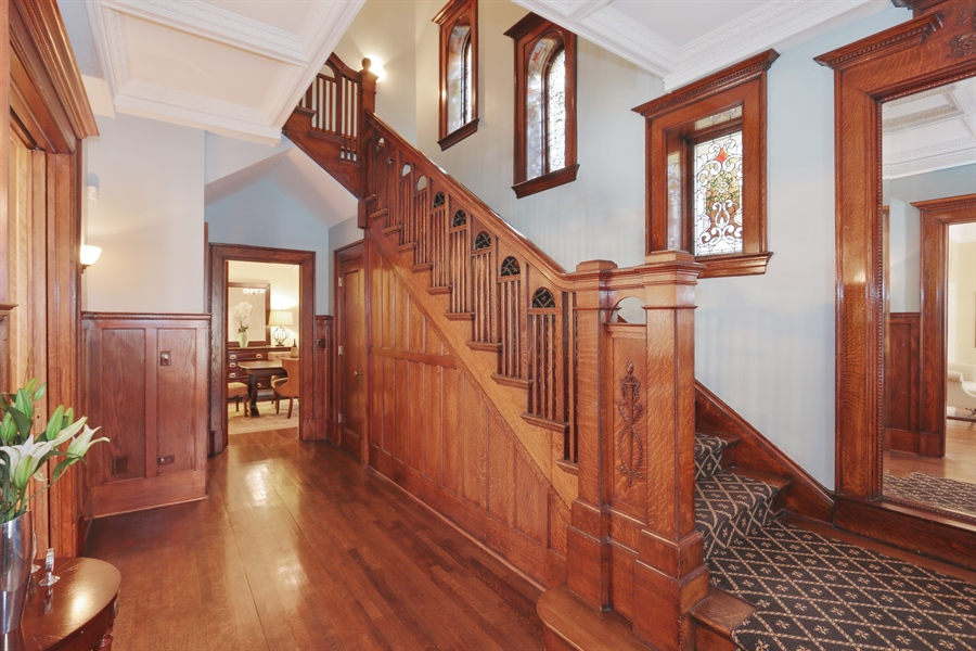 Real Estate Photography - 1036 N Hoyne Ave, Chicago, IL, 60622 - Staircase