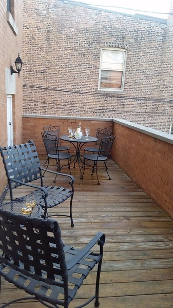 Real Estate Photography - 1036 N Hoyne Ave, Chicago, IL, 60622 -