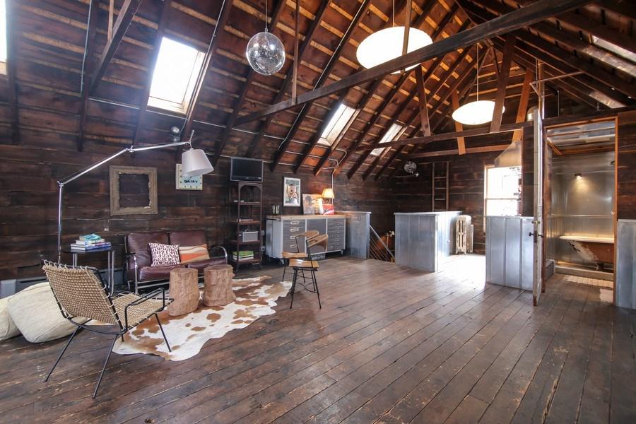 Real Estate Photography - 1236 Hinman Ave, Evanston, IL, 60201 - Barn Loft