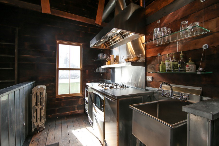 Real Estate Photography - 1236 Hinman Ave, Evanston, IL, 60201 - Barn Kitchen