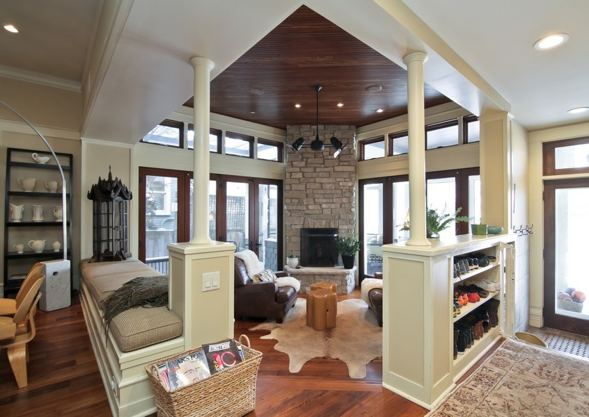 Real Estate Photography - 1236 Hinman Ave, Evanston, IL, 60201 - Sitting Room