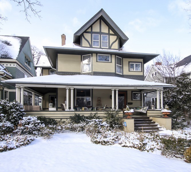 Real Estate Photography - 1236 Hinman Ave, Evanston, IL, 60201 - Front View