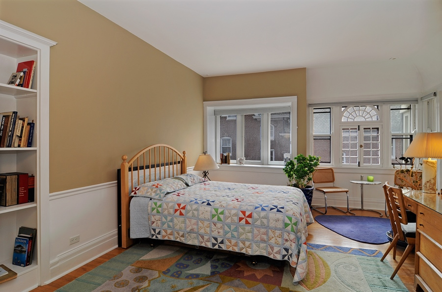 Real Estate Photography - 1828 Asbury Ave, Evanston, IL, 60201 - 2nd Bedroom