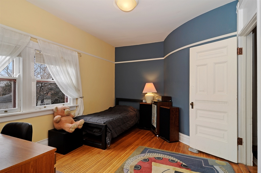 Real Estate Photography - 1828 Asbury Ave, Evanston, IL, 60201 - 3rd Bedroom