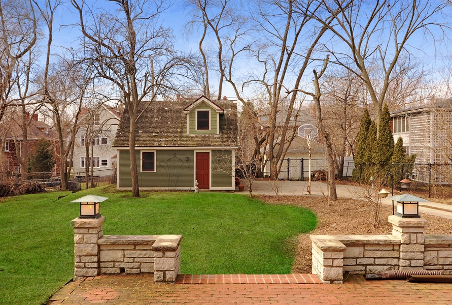 Real Estate Photography - 1828 Asbury Ave, Evanston, IL, 60201 - Back Yard