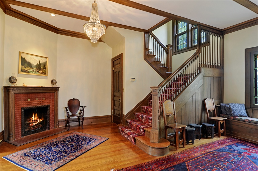 Real Estate Photography - 1828 Asbury Ave, Evanston, IL, 60201 - Foyer