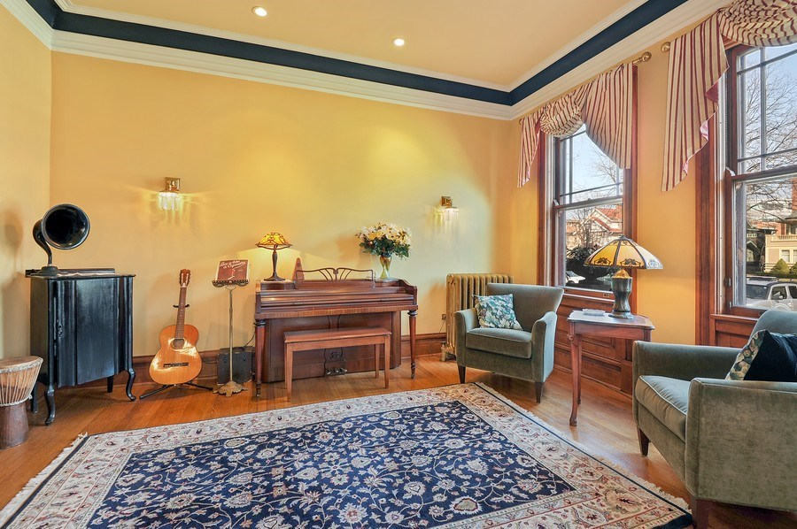 Real Estate Photography - 1828 Asbury Ave, Evanston, IL, 60201 - Study