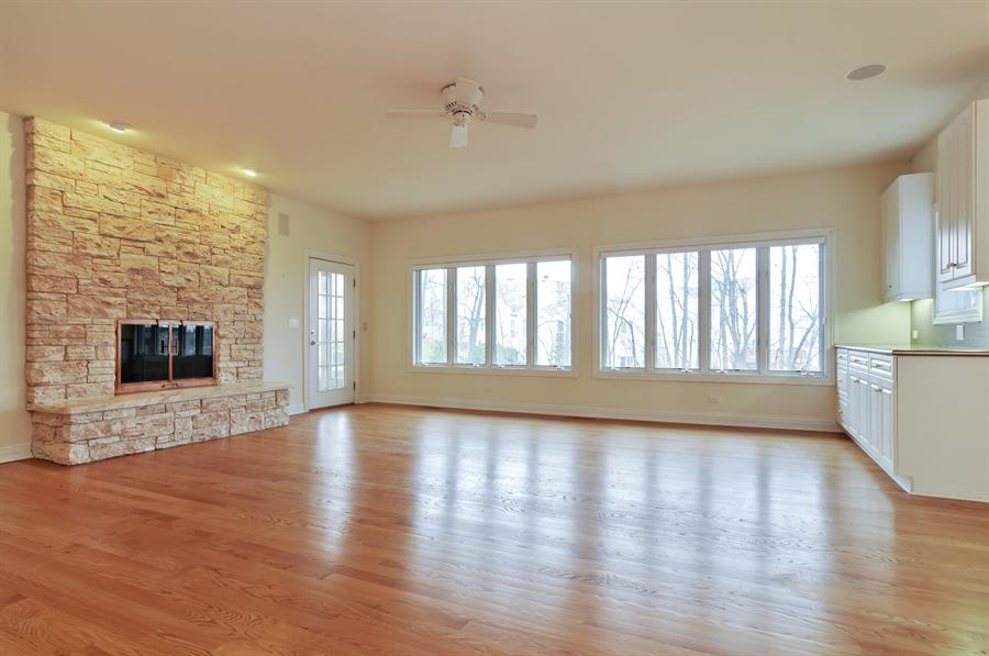 Real Estate Photography - 1071 E Bonner, Wauconda, IL, 60084 - Living Room