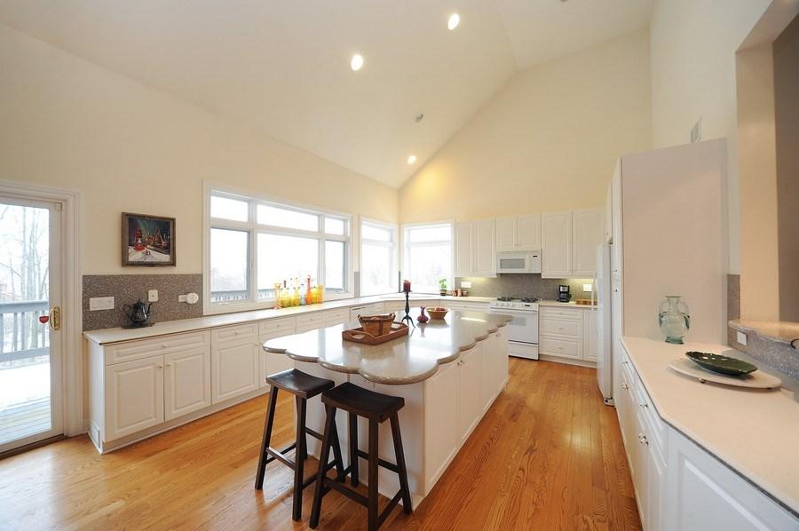 Real Estate Photography - 1071 E Bonner, Wauconda, IL, 60084 - Kitchen