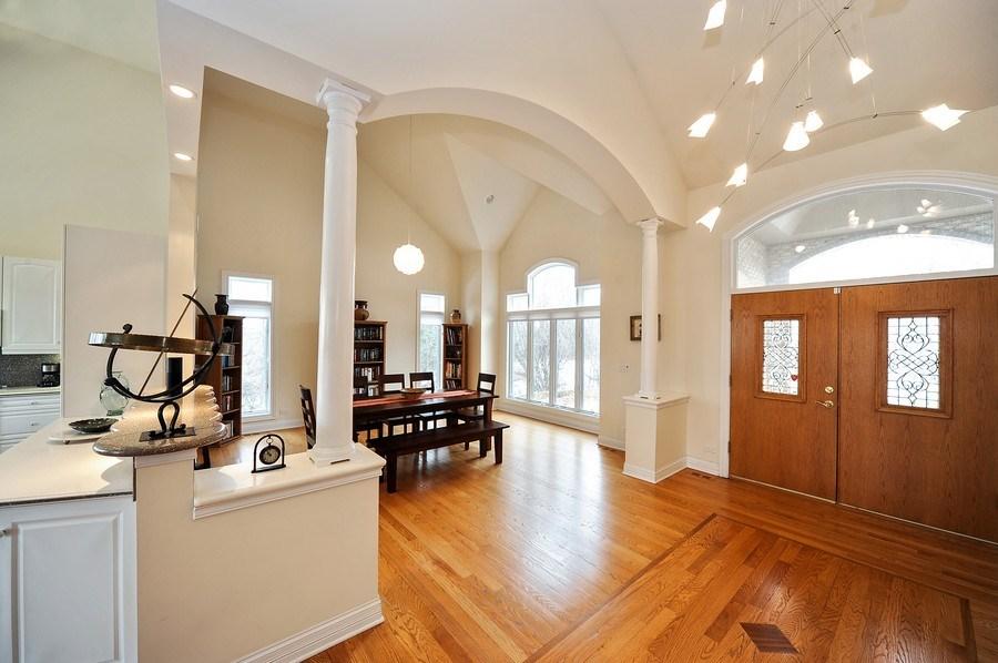 Real Estate Photography - 1071 E Bonner, Wauconda, IL, 60084 - Foyer