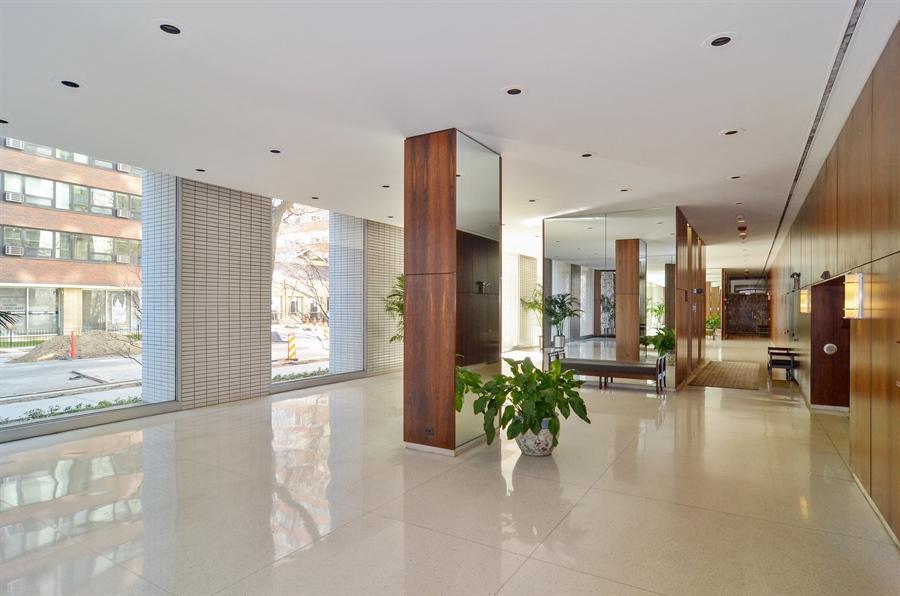 Real Estate Photography - 3150 North Lake Shore Drive, 17F, Chicago, IL, 60657 - Lobby