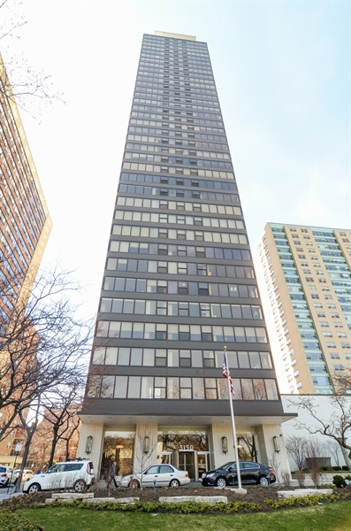 Real Estate Photography - 3150 North Lake Shore Drive, 17F, Chicago, IL, 60657 - Front View