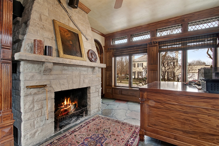 Real Estate Photography - 6087 N Kirkwood, Chicago, IL, 60646 - Office/Sitting Room