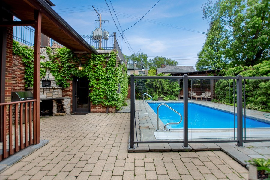 Real Estate Photography - 6087 N Kirkwood, Chicago, IL, 60646 - Pool